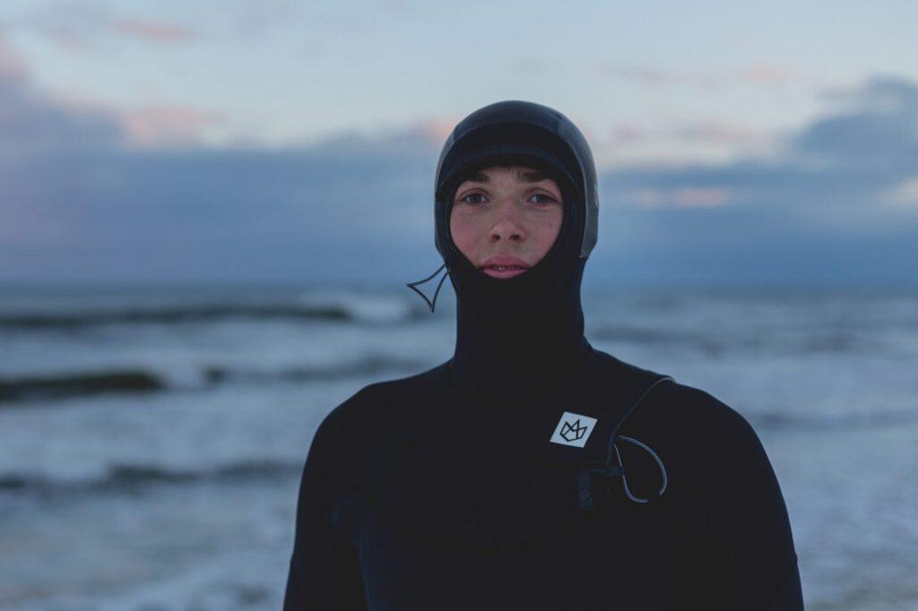 Surfing na Bałtyku zimą - co należy wiedzieć i jak się przygotować?