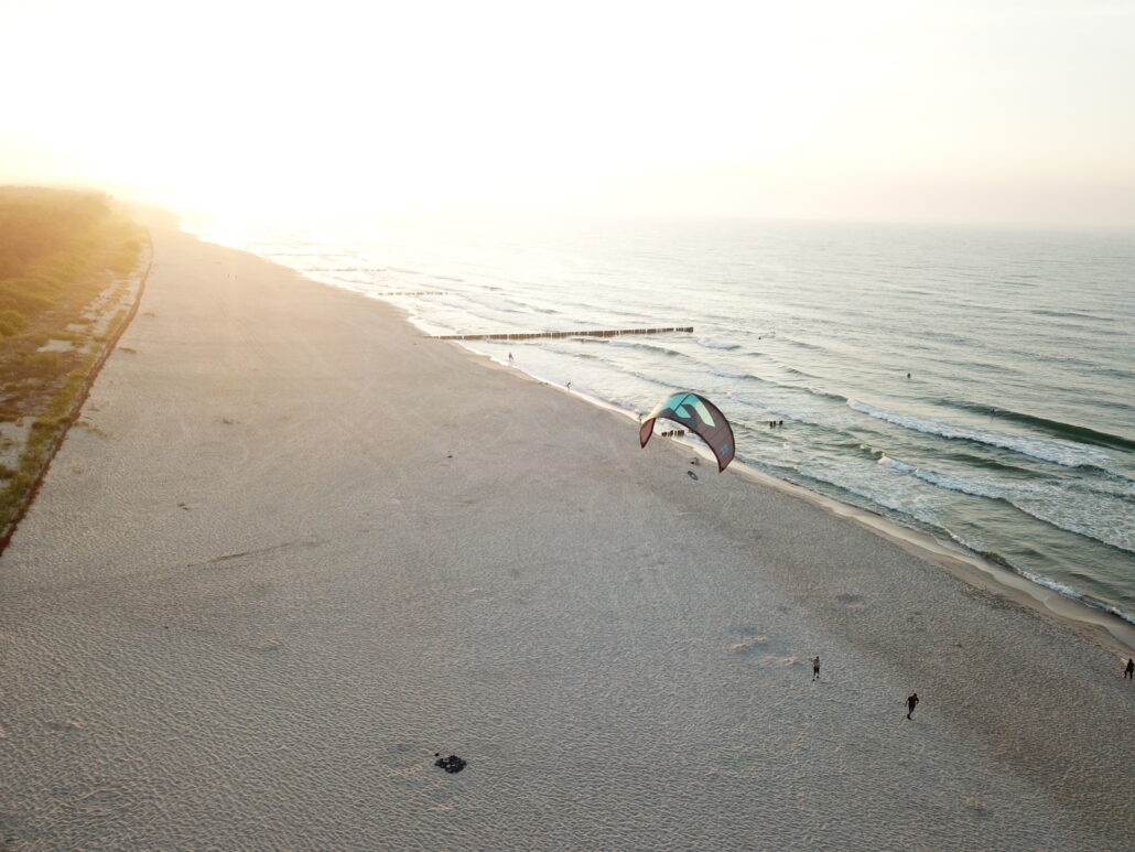 Dlaczego Półwysep Helski jest naprawdę dobry do nauki sportów wodnych?